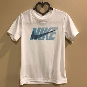 Nike Dri Fit Boys NWT shirt Sz 4t